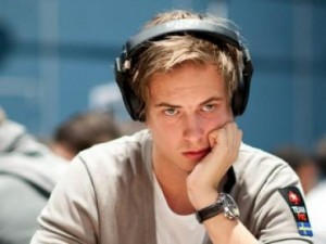 Viktor-Blom-Online-Poker-081912L